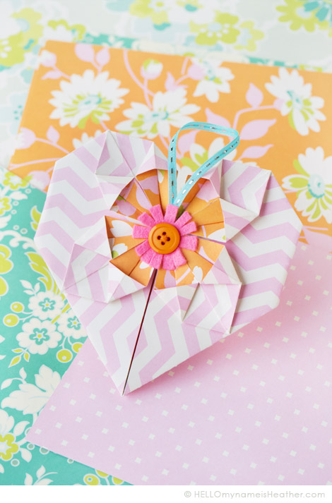 OrigamiHeartValentine_HeatherBailey_1b